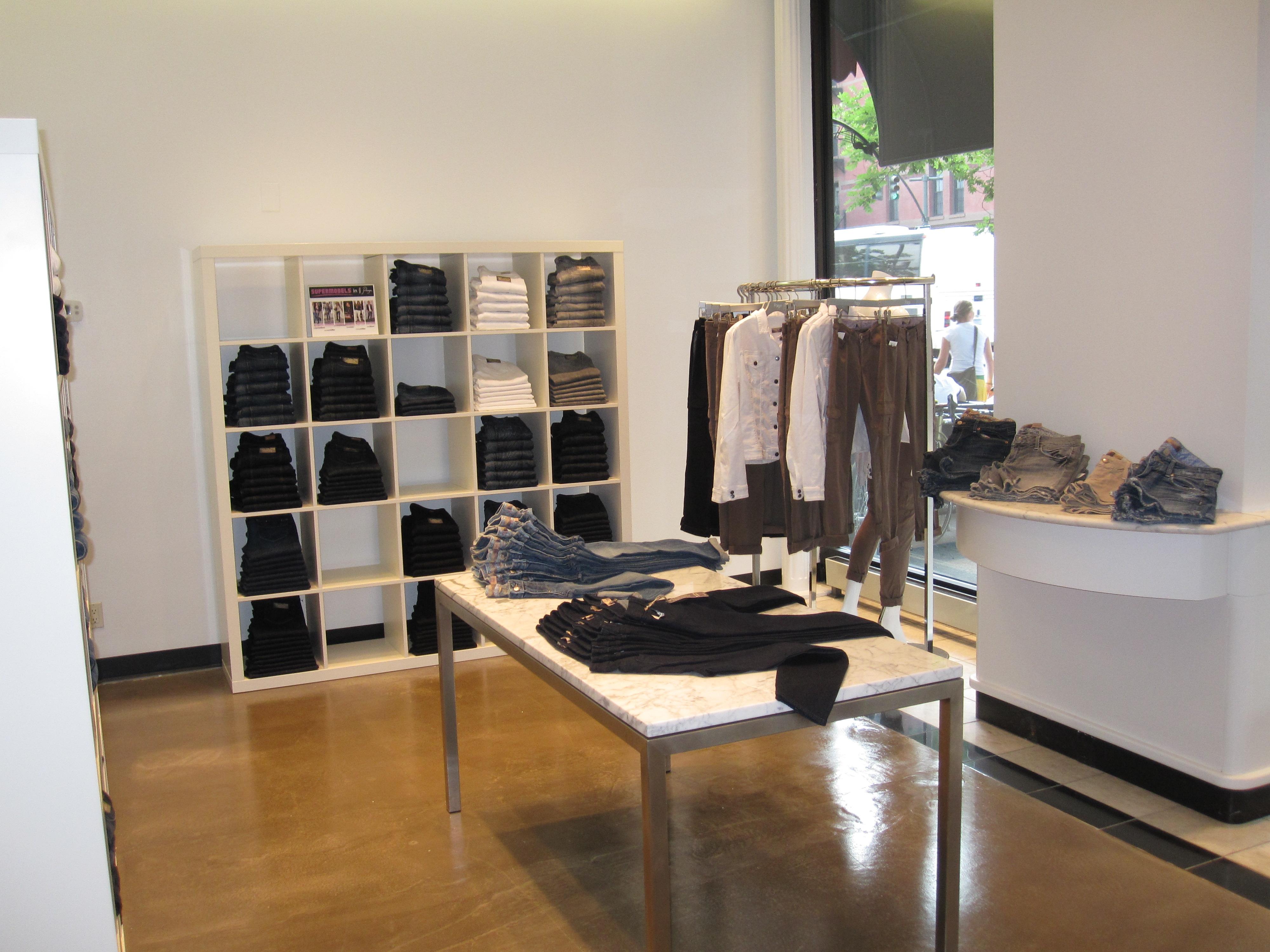 UWS Store 001