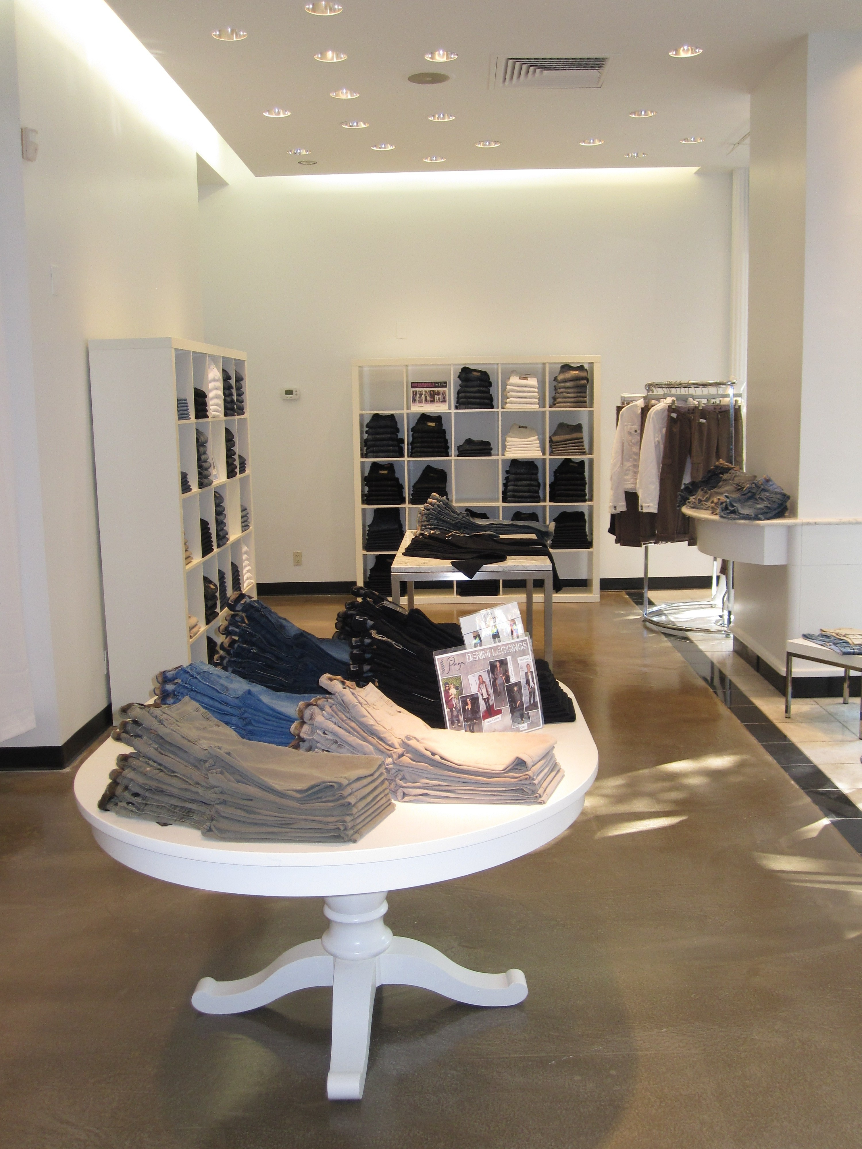 UWS Store 005[1]